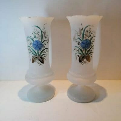 Paire vase en opaline blanche du XIXème siècle brocante castres a vendre