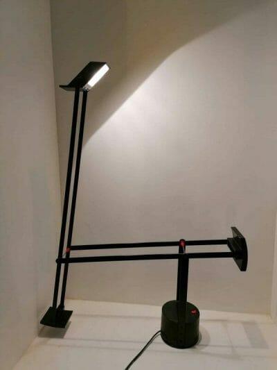 Vue opposée de la lampe vintage de bureau Tizio par Richard Sapper pour Artemide | brocante en ligne | Antiquaire à Castres